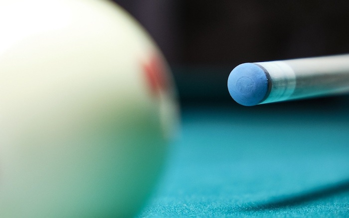 How to Chalk A Pool Cue