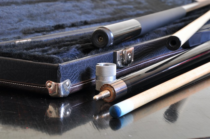 How to Maintain a Pool Cue Shaft