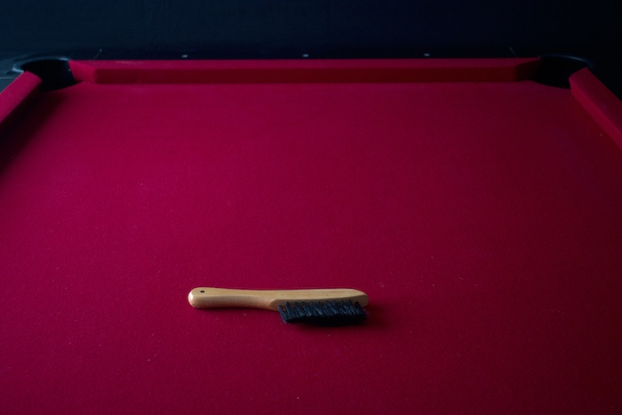 cleaning-pool-table