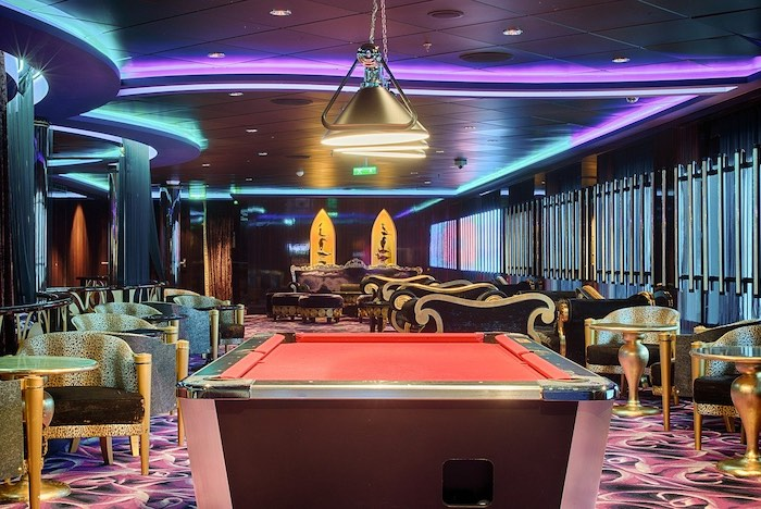 Ball Return pool table